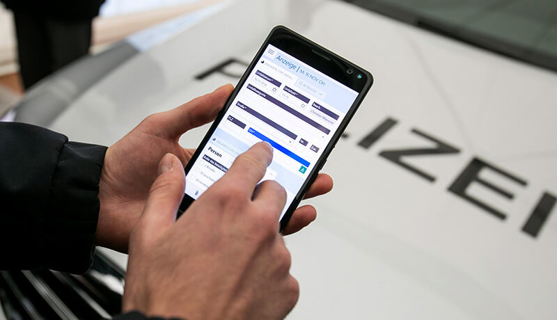 HybridForms: Mobile Policing with Smartphones
